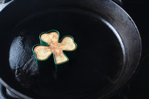 gluten free pancakes, gluten-free, shamrock shaped pancakes, shamrock pancakes, st patricks day pancakes, st pattys day pancakes, apple cinnamon pancakes, oatmeal pancakes, st patricks day breakfast, st pattys day brunch, green syrup, green cream cheese syrup, st patricks day green syrup, recipes