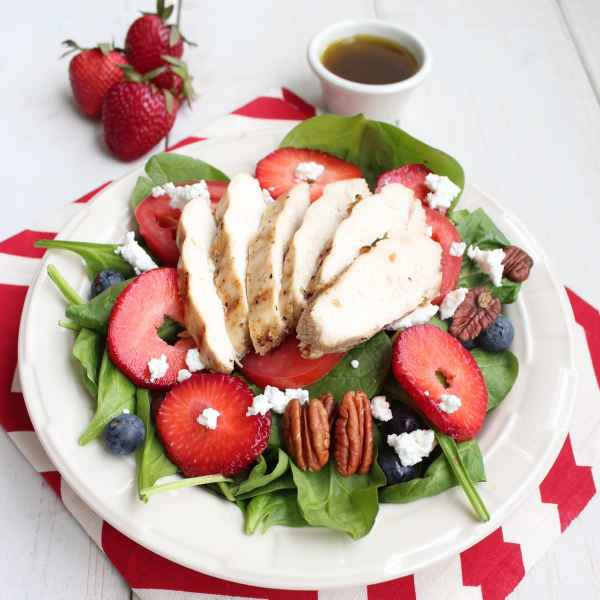Grilled Chicken Strawberry Pecan Salad