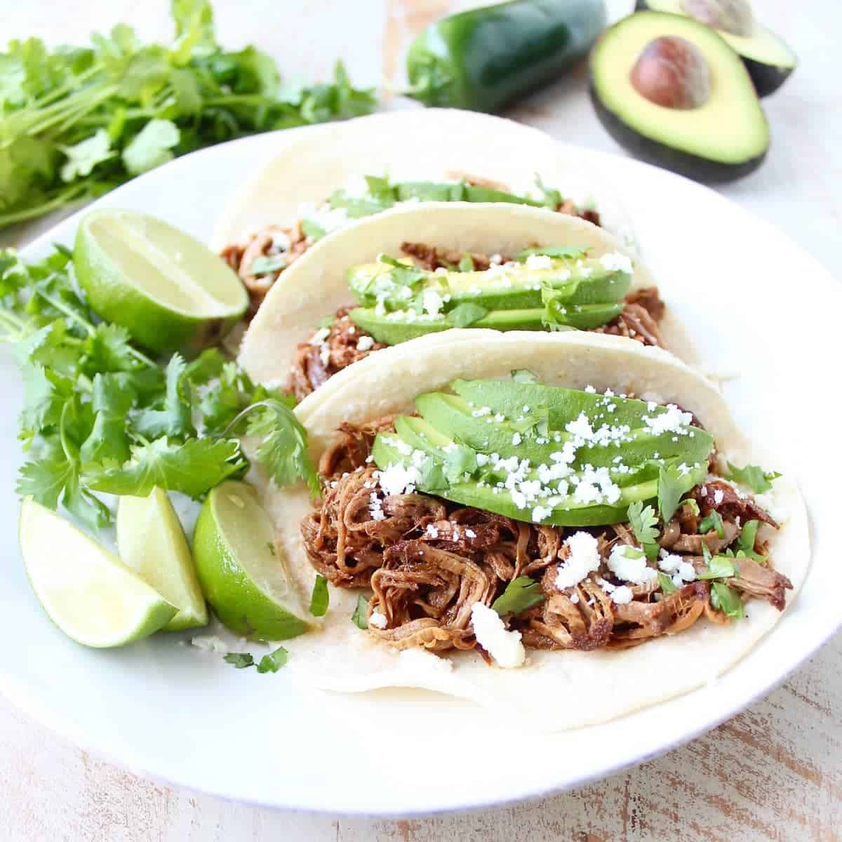 Slow Cooker Chipotle Honey Pulled Pork Tacos