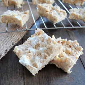 Hawaiian Host Whole Macadamia White Chocolate Crunch