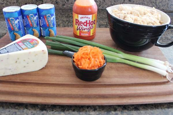 Buffalo Chicken Taco Ring Ingredients