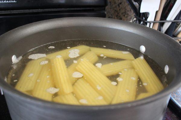 Boiling Manicotti