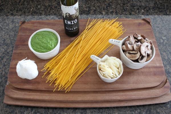Gluten Free Mushroom Spinach Pesto Pasta Ingredients