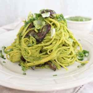 Gluten Free Mushroom Spinach Pesto Pasta
