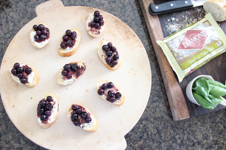 Blueberry Goat Cheese Crostini Recipe