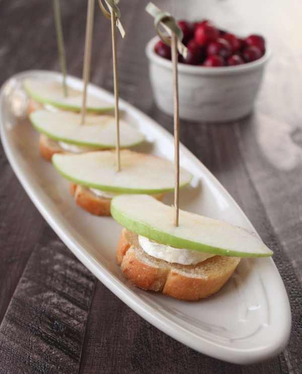 Brie Apple Crostini Recipe