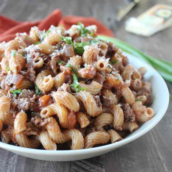One Pot Mediterranean Spiced Beef and Macaroni