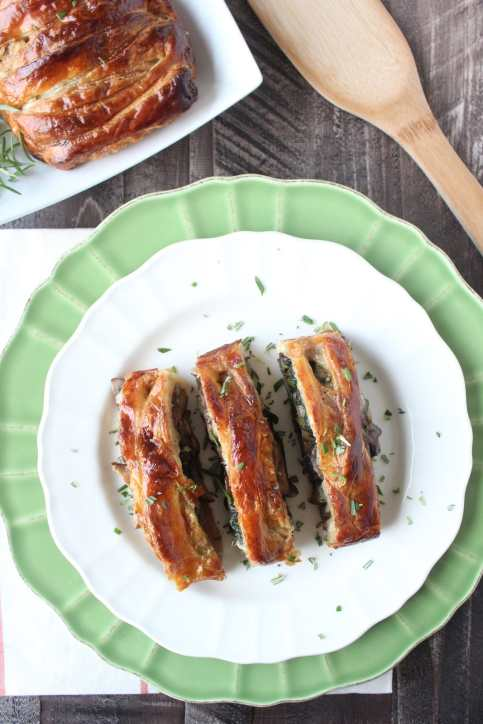 Cheesy Mushroom Spinach Braided Puff Pastry Recipe