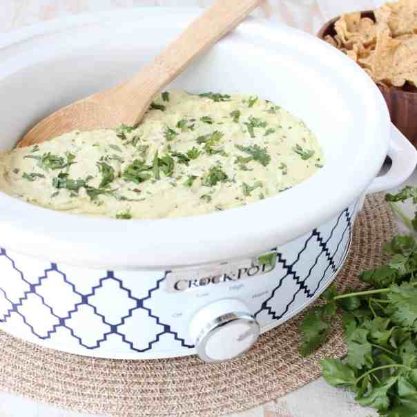 Crock-­Pot® Slow Cooker Green Chili Queso Dip