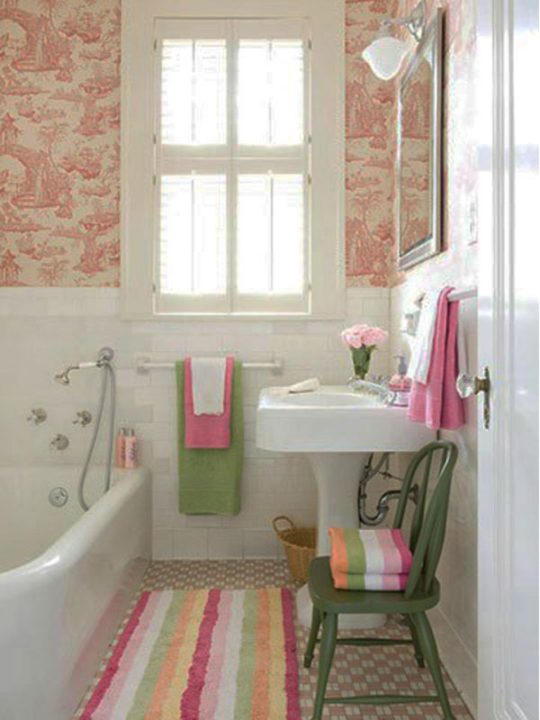 5 quick ways to add color to your bathroom