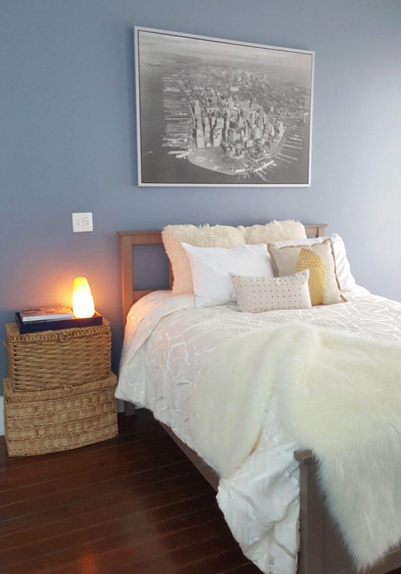 bedroom decor | blue bedroom | fur pillows | fur throw