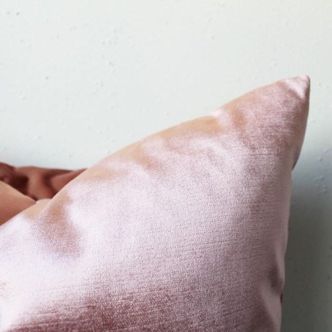 rose pink velvet pillow | home decor | glamorous decor | velvet decor