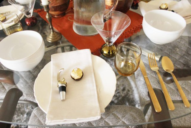 last minute thanksgiving tablescape ideas   Thanksgiving decor   Thanksgiving holiday party   Thanksgiving party   Friendsgiving party