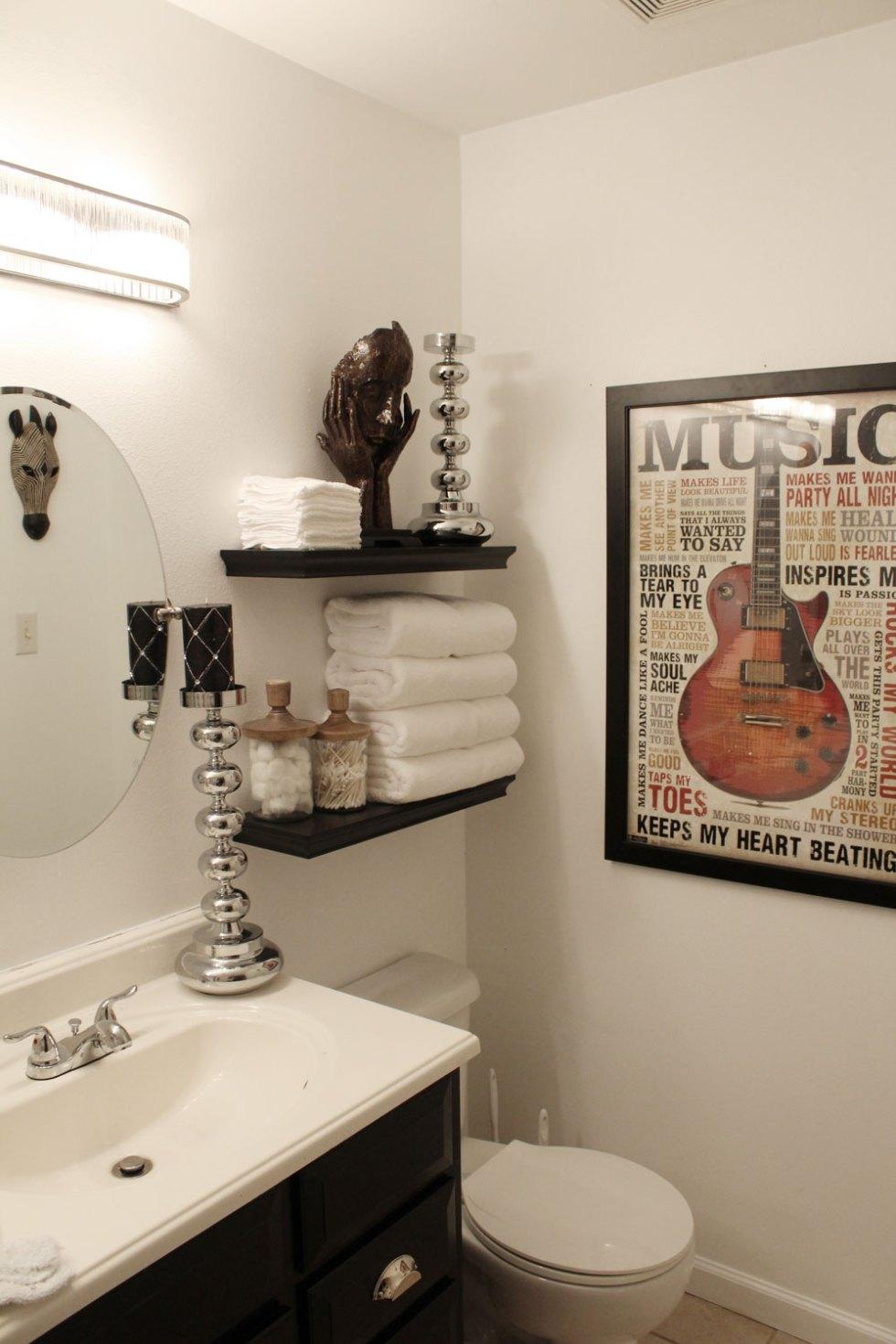 black and white master bathroom   glamorous master bathroom   black and white stripes
