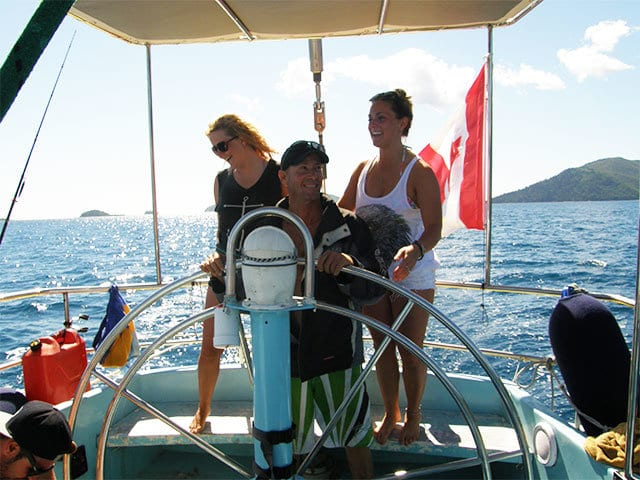 learn to sail during the whitsundays tour