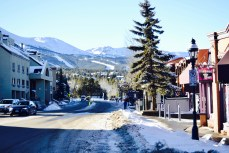My heart loves snowy streets and mountain peaks.