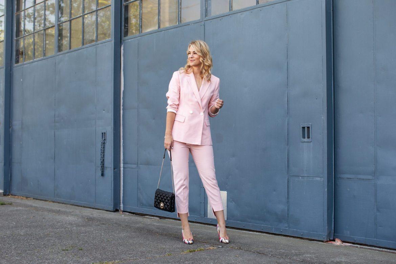 pink zara suit