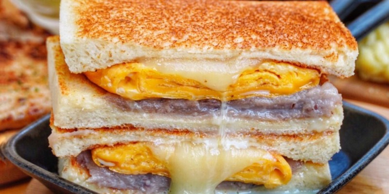 【台北美食】MAMA'S 鐵鍋早午餐 Google評價4.6的超人氣早午餐!超邪惡芋泥瀑布必點 鄰近台北小巨蛋