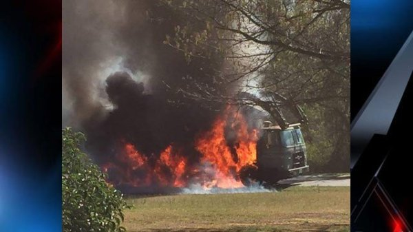 Witness: Garbage truck caught fire in Spartanburg Co ...