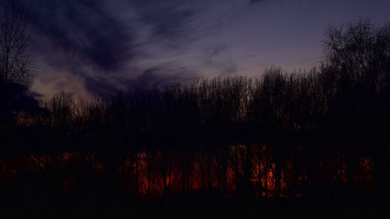 ... a raging fire within ... (click to enlarge ..)