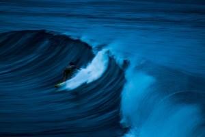 evening-blur-surfing-action