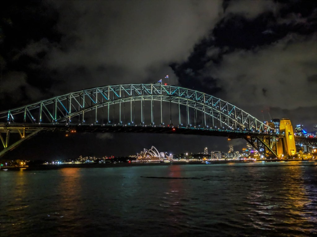 Sydney Harbour Bridge and Opera House shot on Google Pixel 3 XL