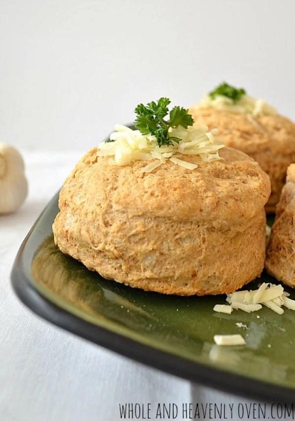 Roasted Garlic Cheddar Biscuits | wholeandheavenlyoven.com