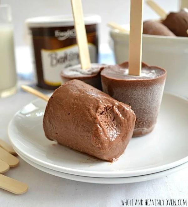 Homemade Fudge Pops | wholeandheavenlyoven.com