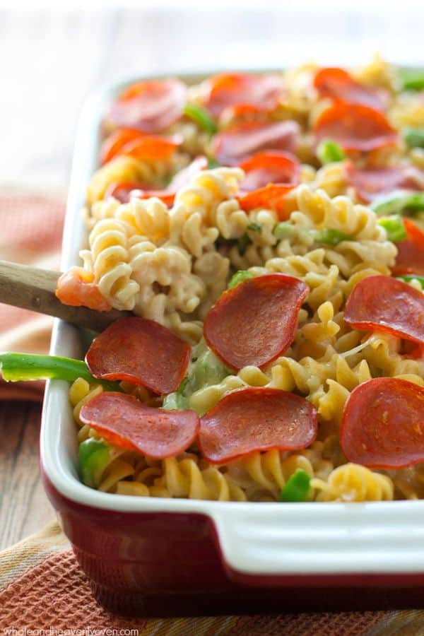Can't decide between pizza and pasta for dinner? Now you won't have to with this one-pan pepperoni pizza-style mac 'n' cheese! You'll want to add this one to the regular dinner rotation. @WholeHeavenly