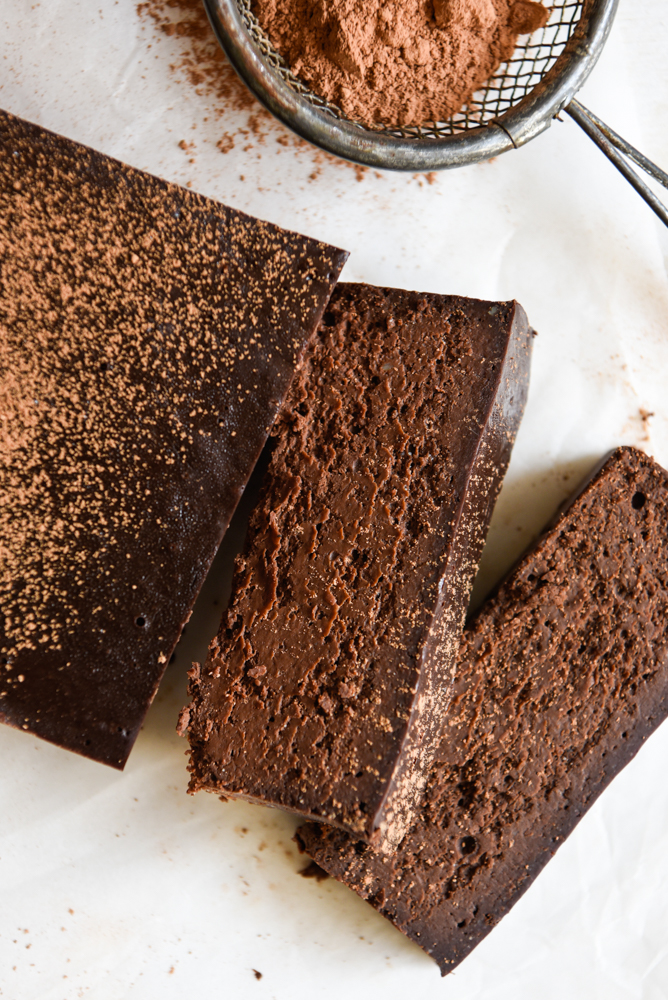 four ingredient chocolate fudge cake