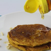 Healthy Mango and Oats Pancakes