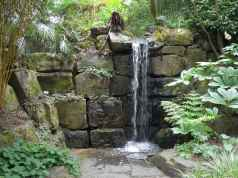 10 awesome backyard ponds and water feature landscaping ideas