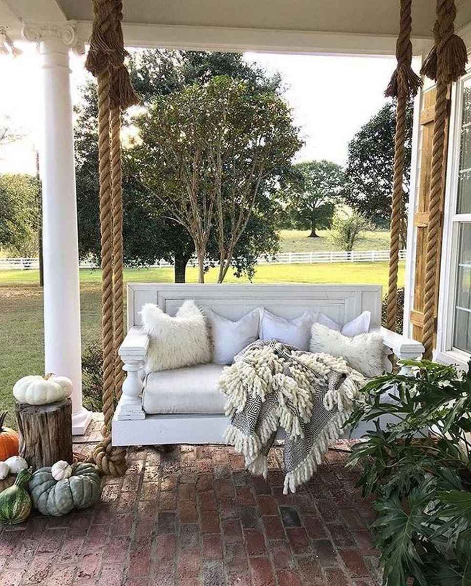 08 hang relaxing front porch swing decor ideas