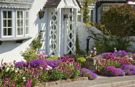 66 beautiful front yard cottage garden landscaping ideas