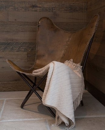 An upcycled Butterfly Chair from the sustainable brand Wood & Beyond