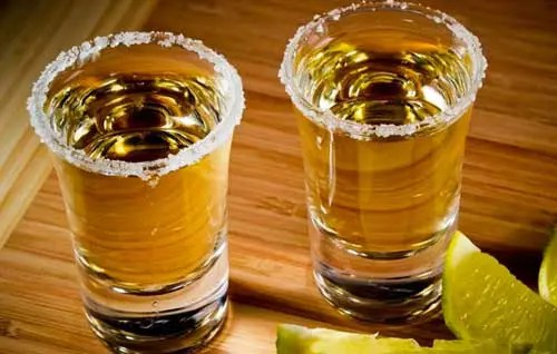 Read more about the article Why Add Alcohol to Your Mix and Match Relationship Quest?