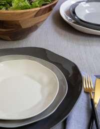 Stoneware Flat Plate White Medium 3