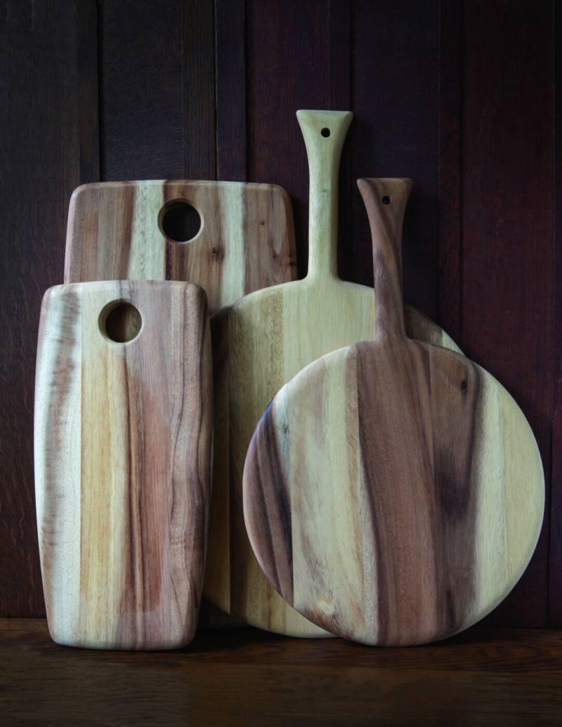 Acacia Round Board with Handle Medium