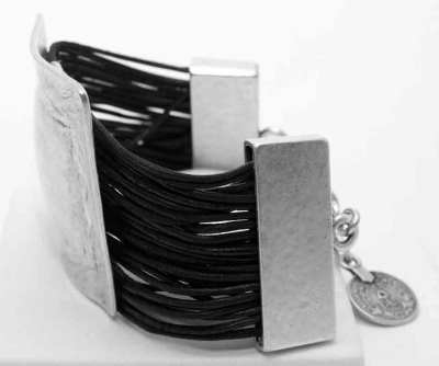 Wholesale bracelet model number 3044.