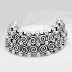 Mini swirl bracelet
