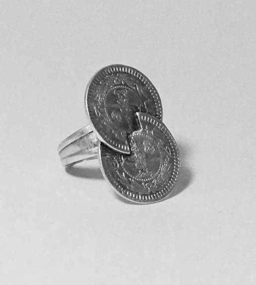 Twisted coin ring