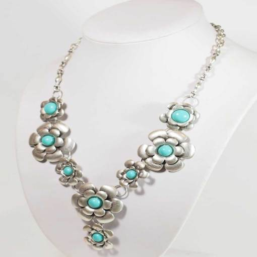 Turquoise silver flower necklace