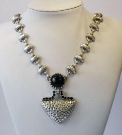 Black heart necklace