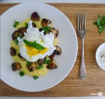 Poached egg with parmesan polenta and mushrooms
