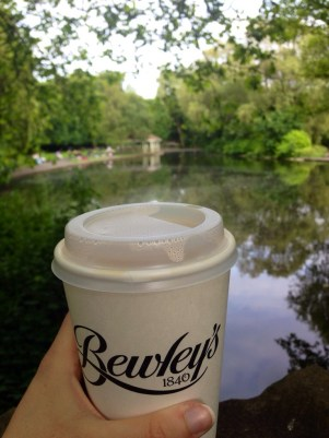 Tea + a stop off of my commute in St. Stephen's Green!