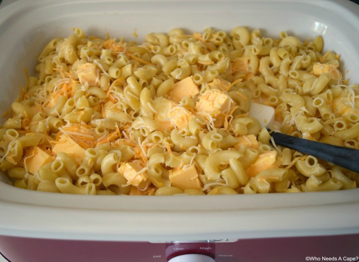 The delicious Slow Cooker Macaroni & Cheese with Ham is great for big crowds and using up leftover holiday ham. So simple to prepare.