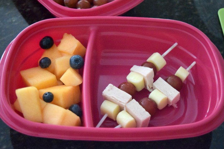Prepare these Lunchbox Kabobs for your kids lunches. Easy to customize, perfect for fussy eaters, they'll love how fun they are to eat.