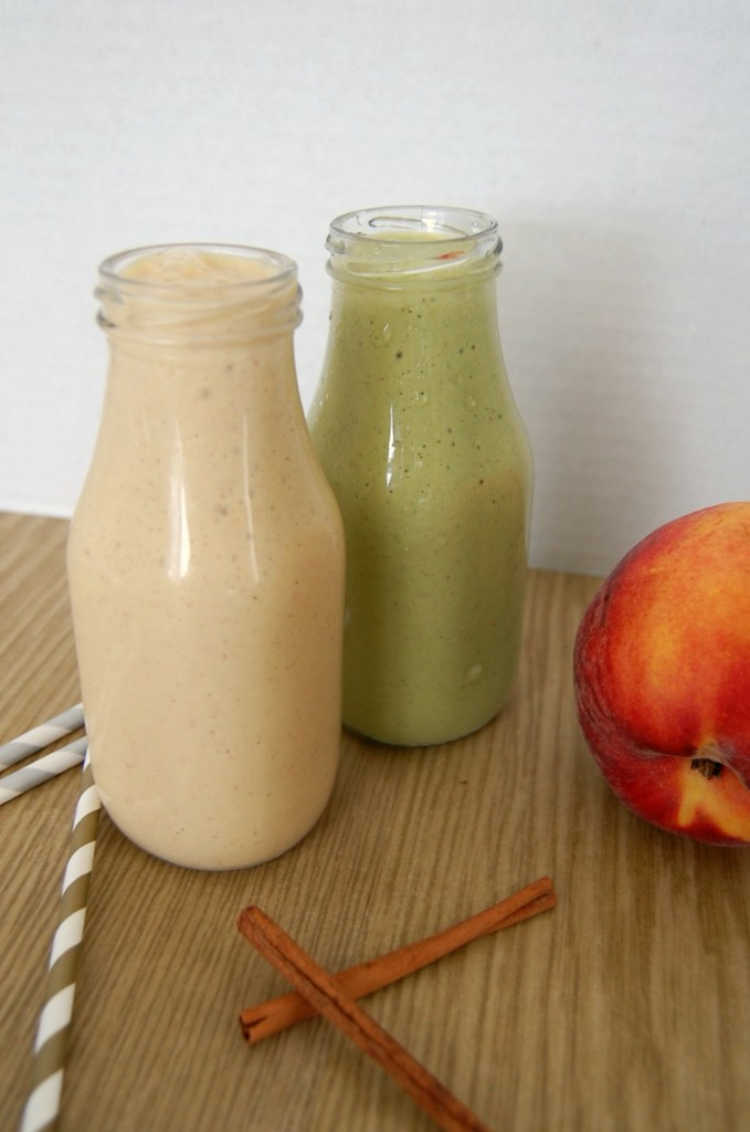 Cinnamon Peach Oatmeal Smoothie starts your day off great. The taste is amazing plus you can drink this easy to make recipe on your way to work (or school).