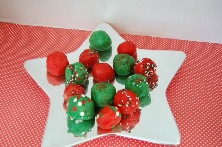 Jingle Balls No Bake Sugar Cookie Balls