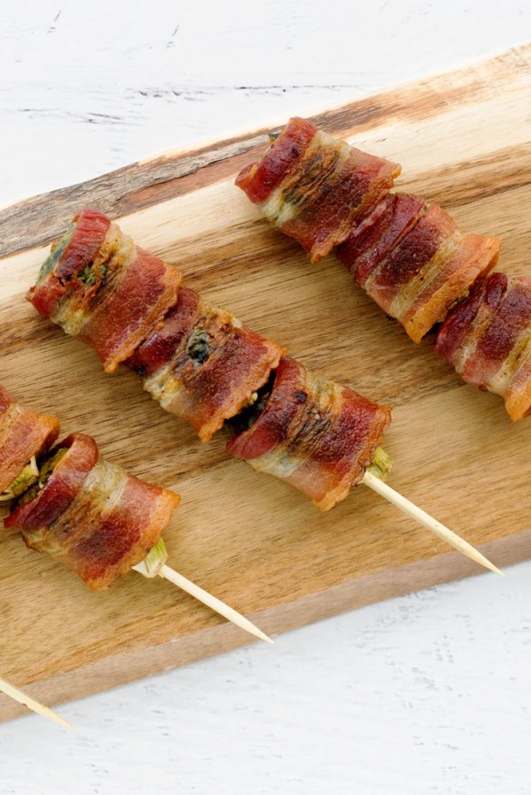 12 Bacon Appetizer for Parties in this post! The most delicious bacon party foods that will be the hit of your next party. | Who Needs A Cape?